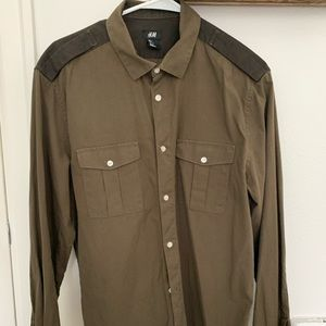 Fresh army green button down with black lapels.